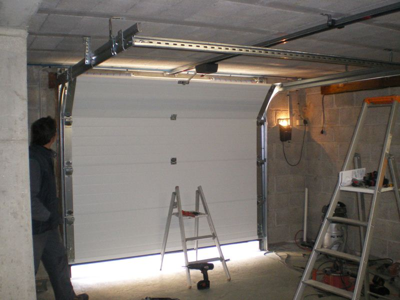 Isoler porte garage bois - Installer une porte de garage sectionnelle ...